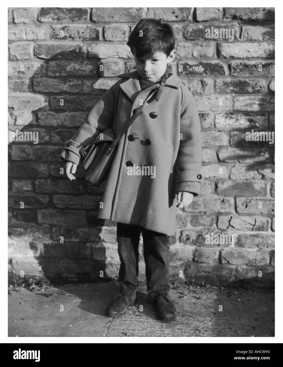 Chico con mochila foto Imagen De Stock