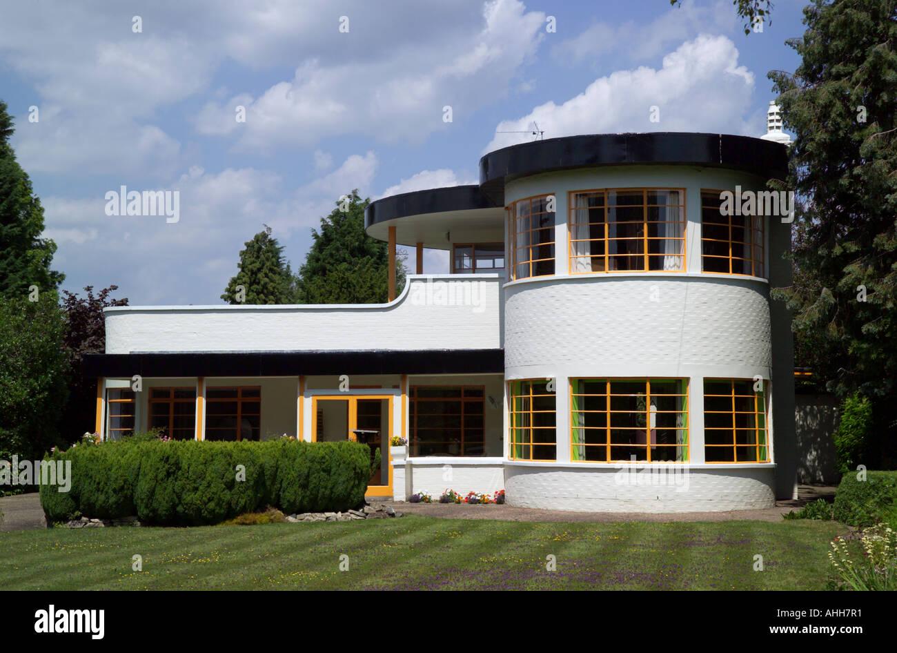 La Casa Sol en Cambridge, Reino Unido. Un hogar catalogado de grado 2 en estilo Art Deco construido en 1938 por los arquitectos Mullet y Denton Smith Imagen De Stock