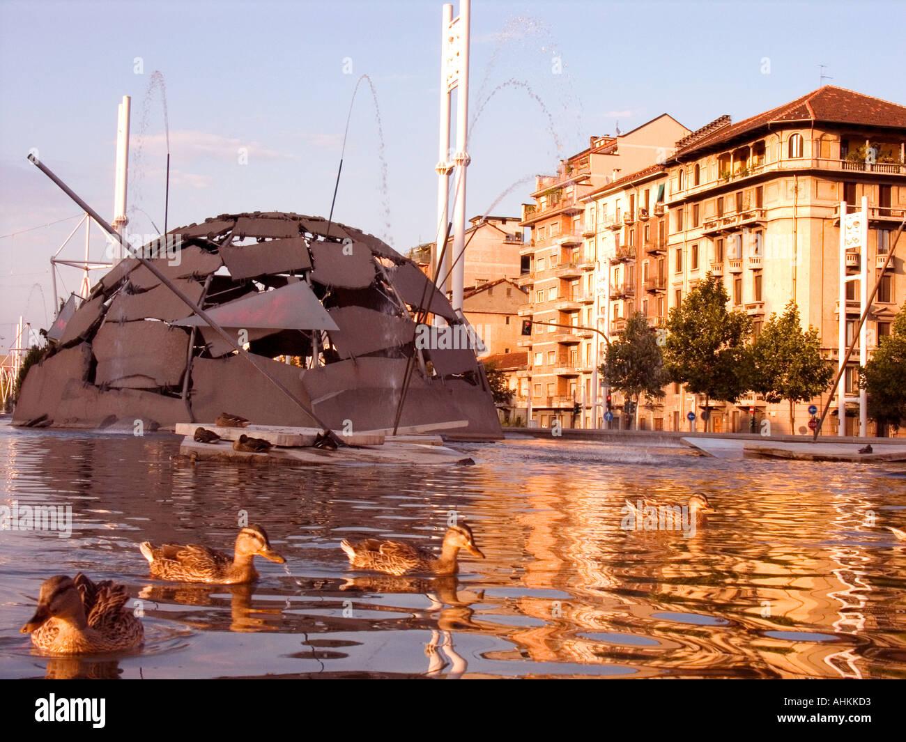 Italia Turín Mertz fuente con patos Foto de stock