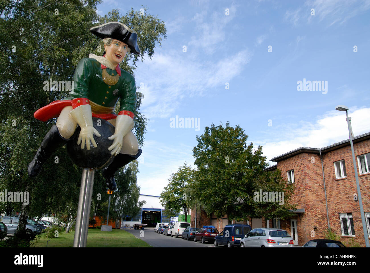 Estatua del Barón Munchhausen en Studio Babelsberg de Potsdam, Alemania Foto de stock