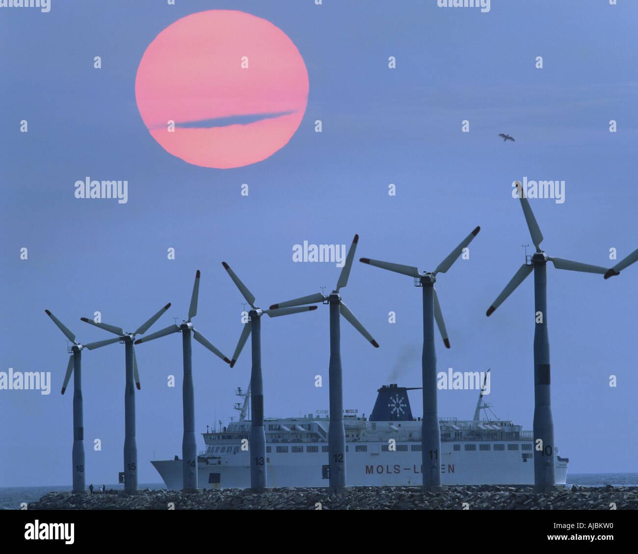 DK - Jutlandia: Las turbinas eólicas en Ebeltoft Imagen De Stock