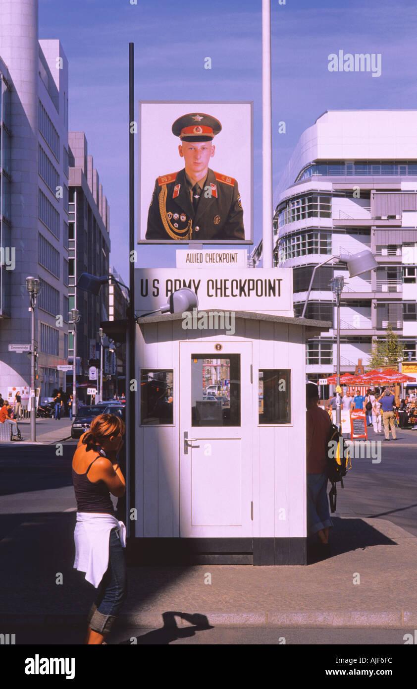La Friedrichstrasse, Checkpoint Charlie Berlin Alemania Imagen De Stock