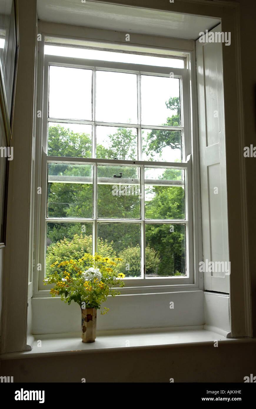 En la ventana de la casa que Jane Austen vivió en Chawton Hampshire Imagen De Stock