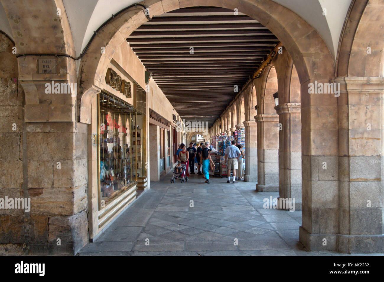 Tiendas En La Plaza Mayor Salamanca Castilla Y Leon