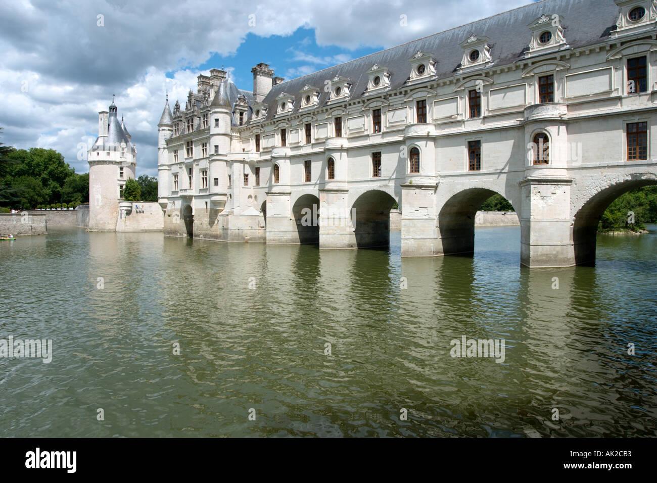 El Château de Chenonceau sobre el río Cher, el Valle del Loira, Francia Imagen De Stock