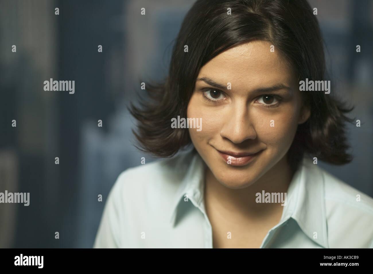 Retrato de una joven mujer de carrera Foto de stock