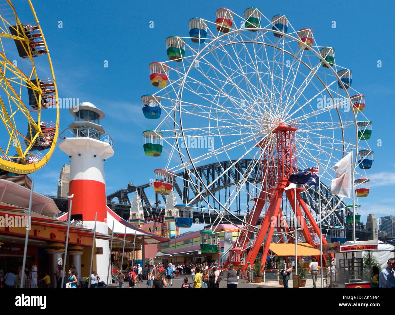 El Luna Park, con el Harbour Bridge detrás, Milsons Point, Sydney, New South Wales, Australia Imagen De Stock