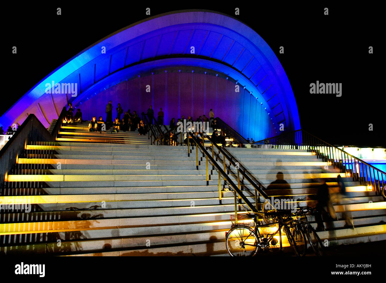Por la noche, la casa de las culturas del mundo, Berlín, Alemania Imagen De Stock