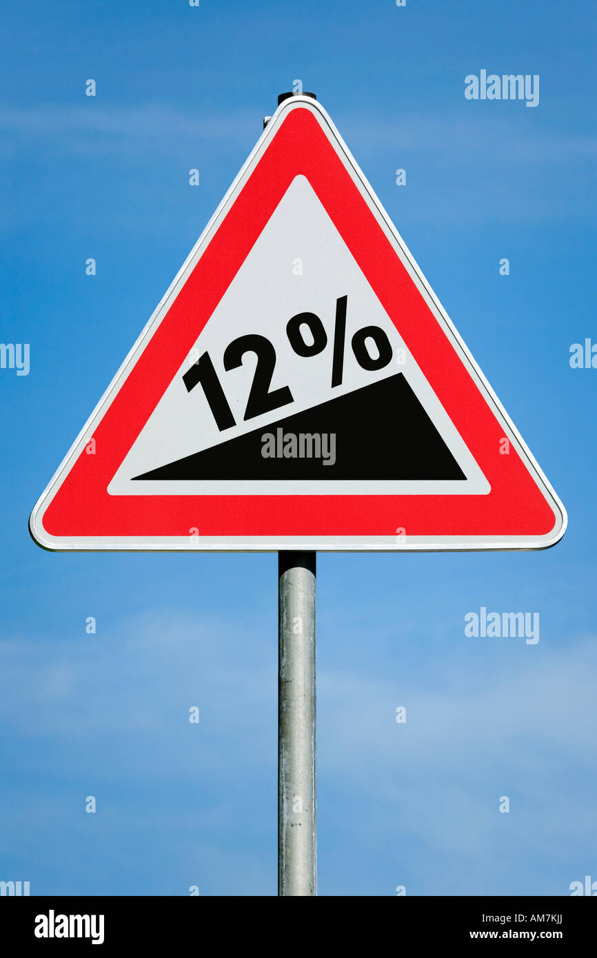 El 12 % del impuesto sobre beneficios Aumento de ganancia de dividendos gradiente - imagen simbólica - Serie Foto de stock