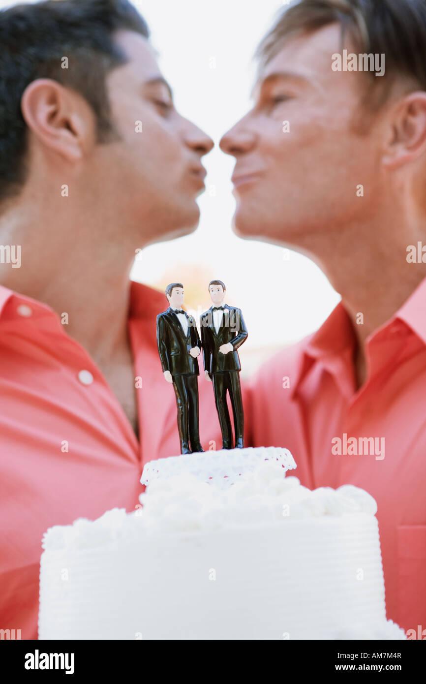 Gay Wedding Cake Imágenes De Stock & Gay Wedding Cake Fotos De Stock ...