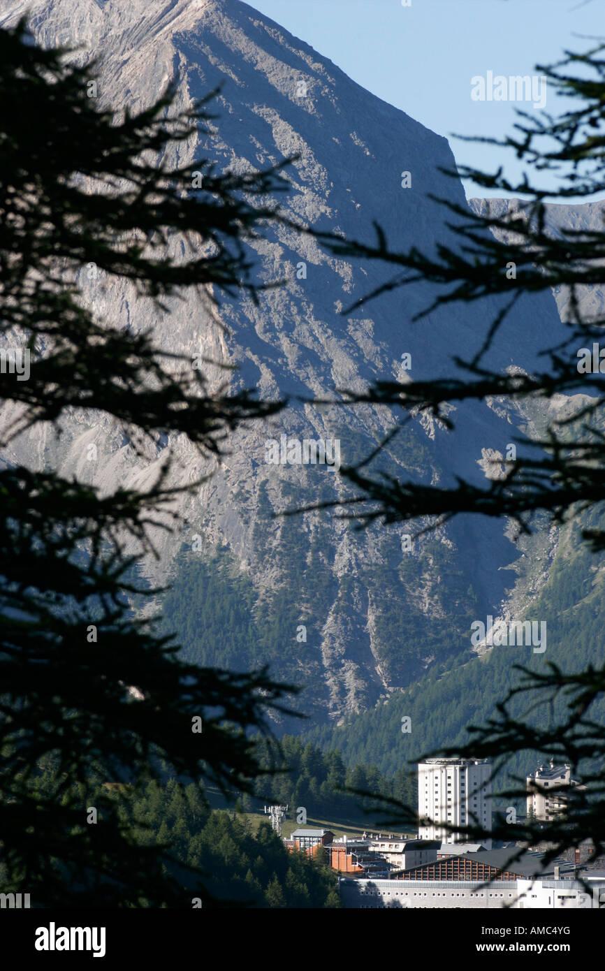 Sestriere y Monte Furgon. Alta Valle de Susa, en Piamonte, Italia Foto de stock