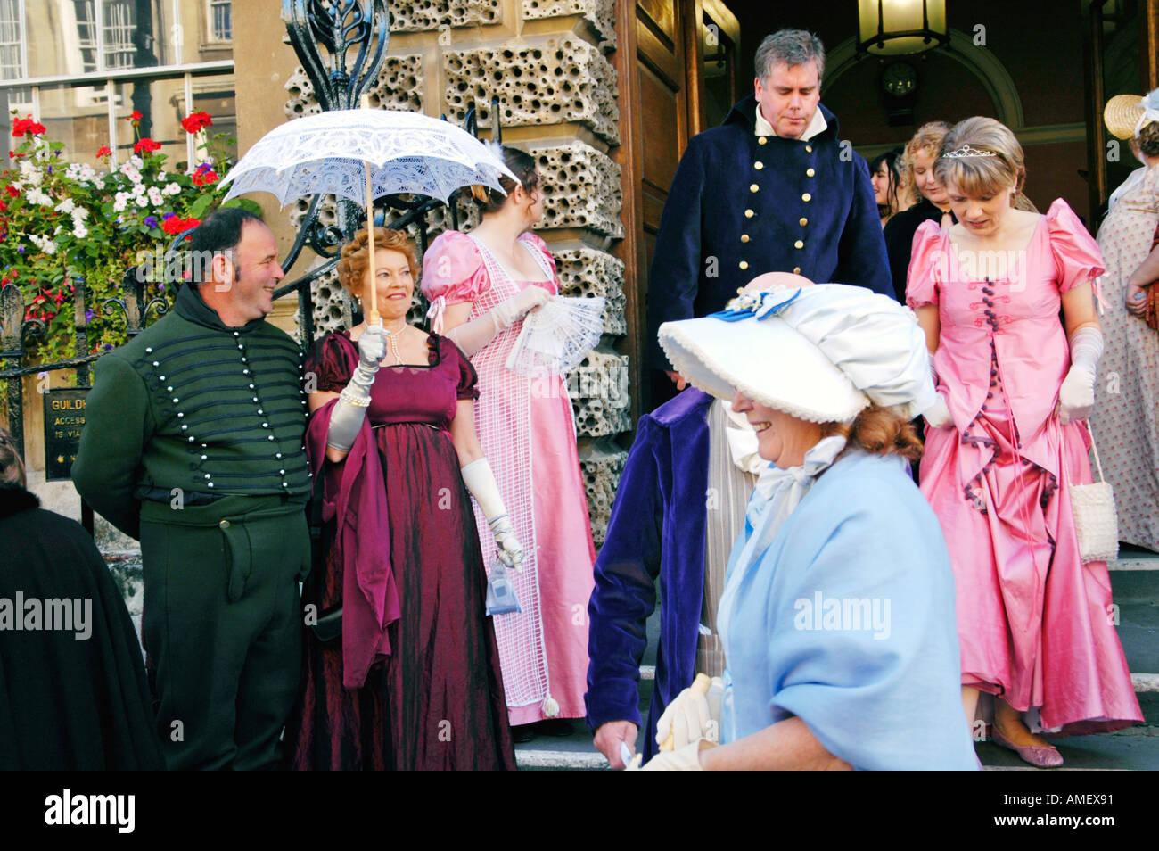 Desfile de disfraces de Georgia para lanzar el Festival Jane Austen en Bath Inglaterra GB Imagen De Stock