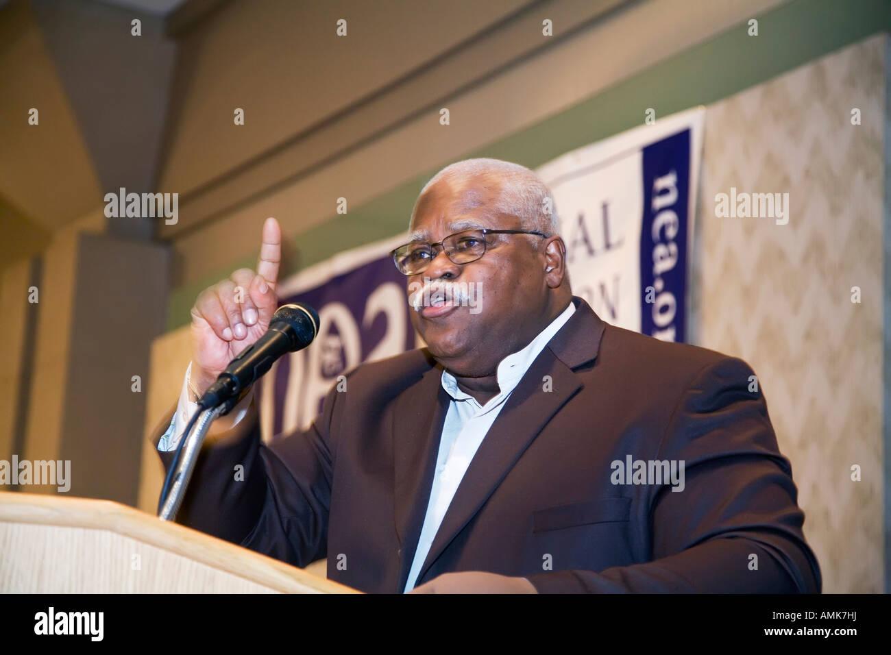 El Presidente de la Asociación Nacional de Educación Reg Weaver Foto de stock
