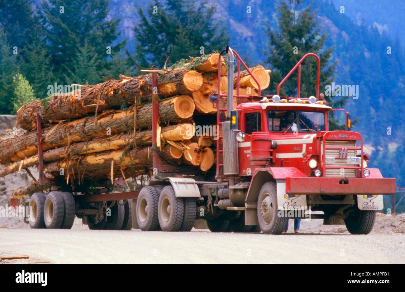 Camión de registro Imagen De Stock