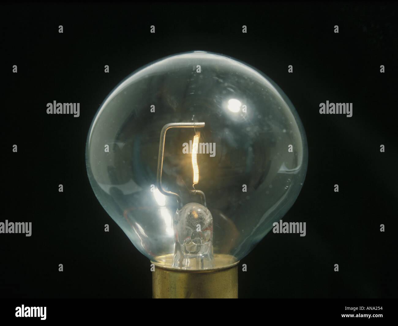 Lámpara de filamento de tungsteno de 12 voltios Imagen De Stock