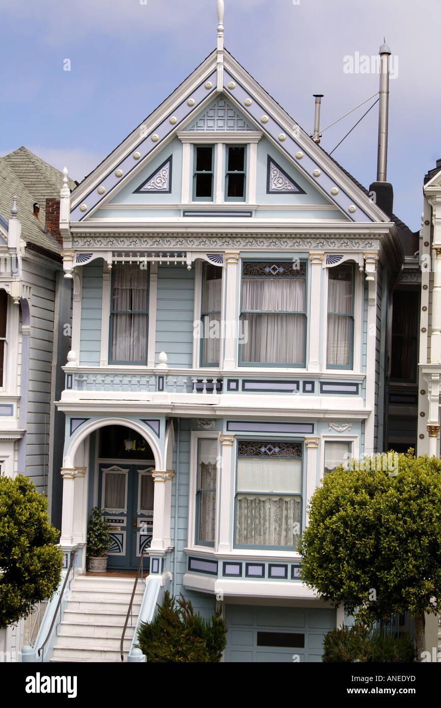 Una De Las Famosas Casas Victorianas Damas Pintadas De San Francisco California Ee Uu Fotografía De Stock Alamy
