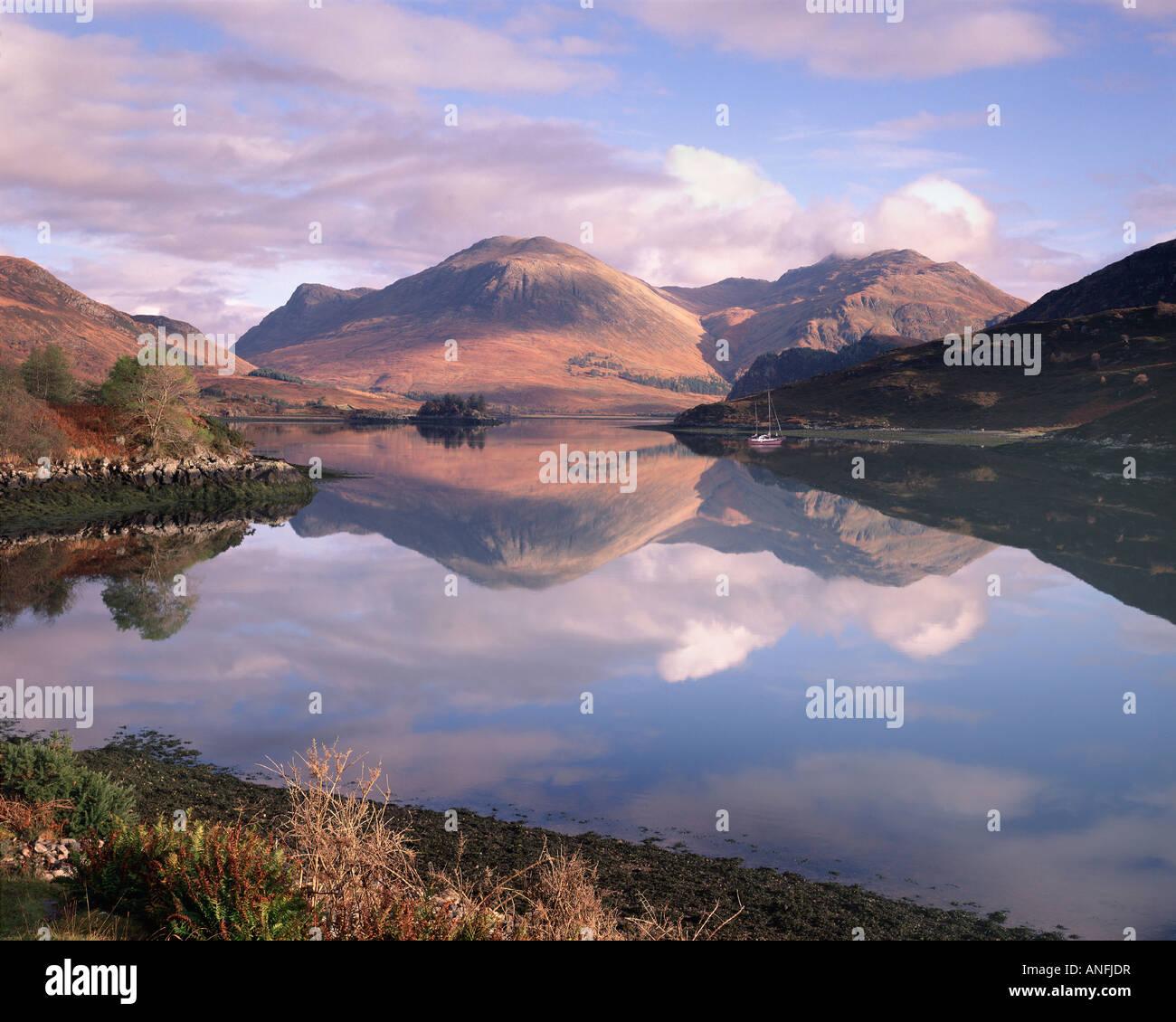 GB - Escocia: Noche en Loch largo Imagen De Stock