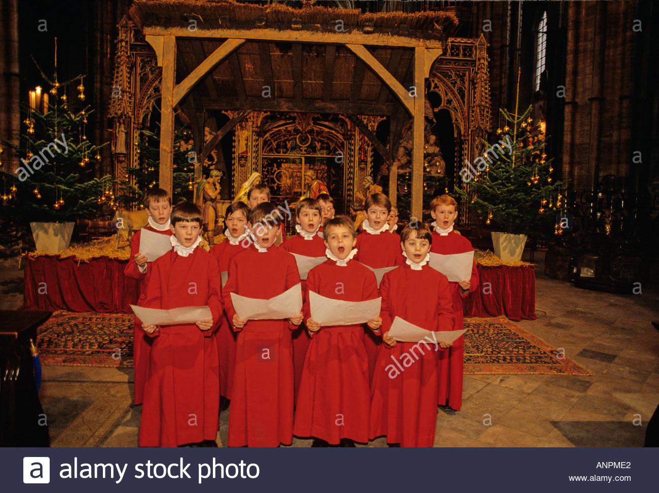 Choirboys Junior del Abbey Choir School; la abadía de Westminster, Londres, Inglaterra Foto de stock