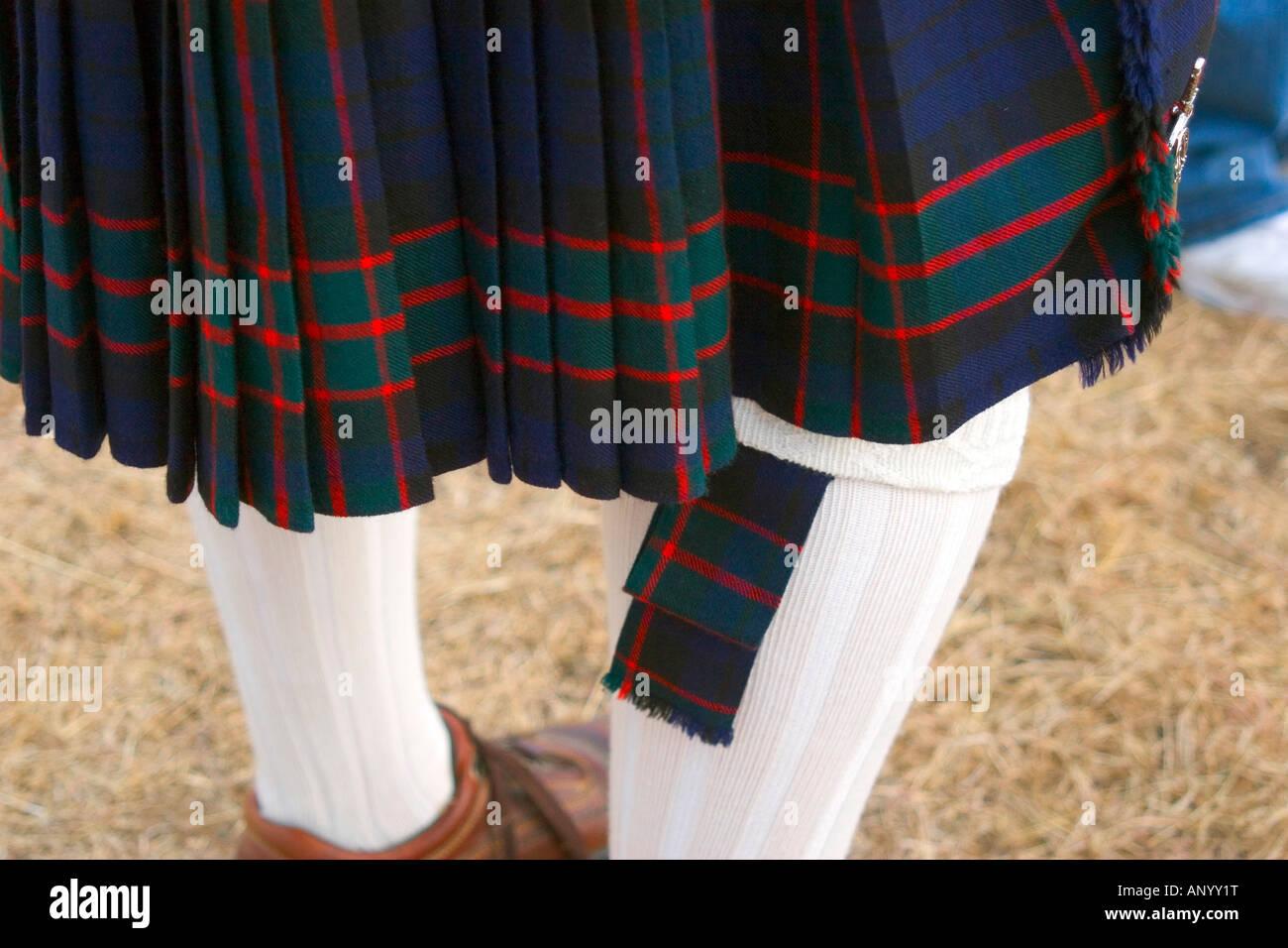 448b1a0ba Falda de tartán escocés con falda tubo parpadea y liga Foto & Imagen ...