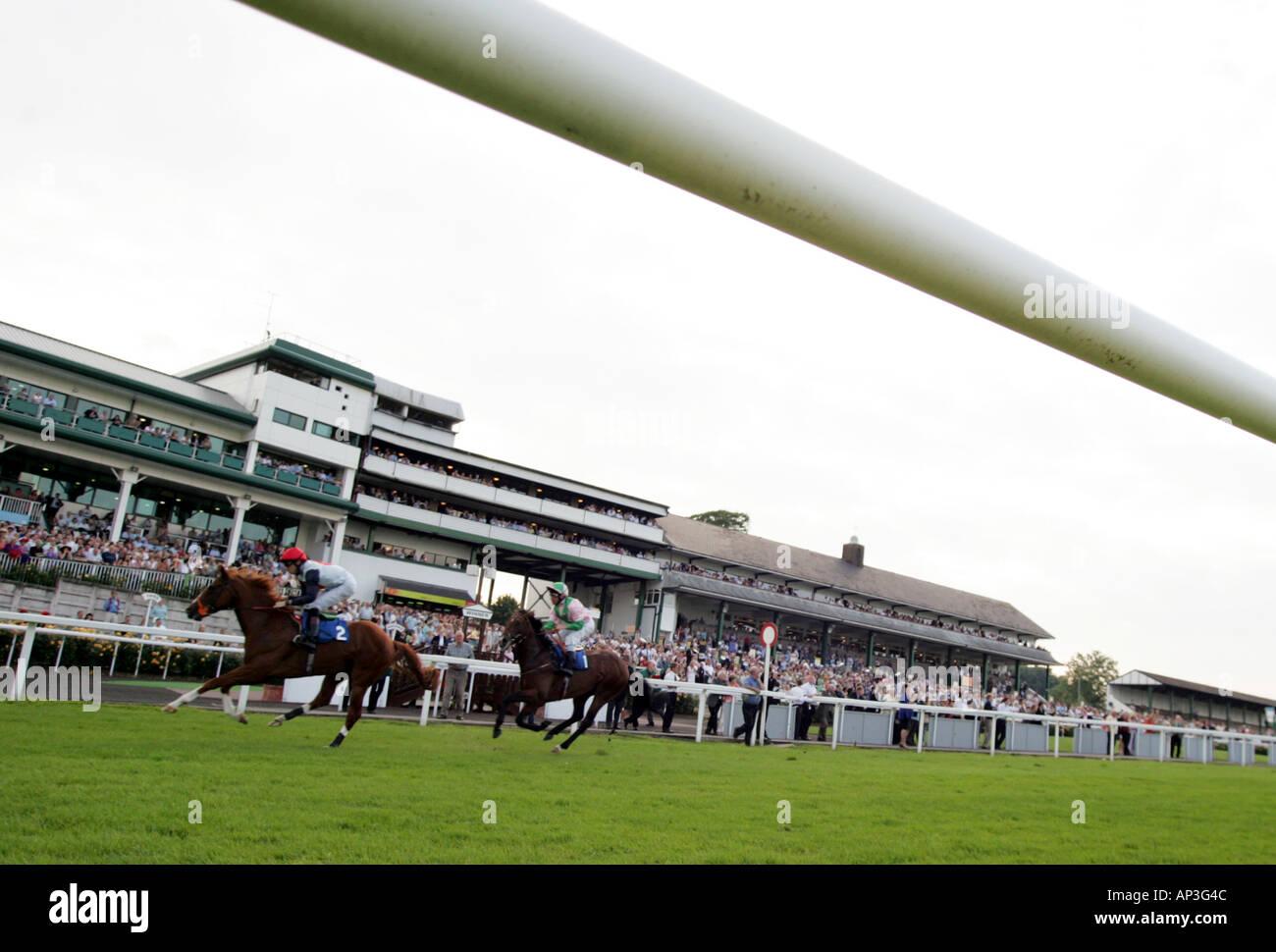 Carreras de Caballos Chepstow Racecourse South East Wales Imagen De Stock