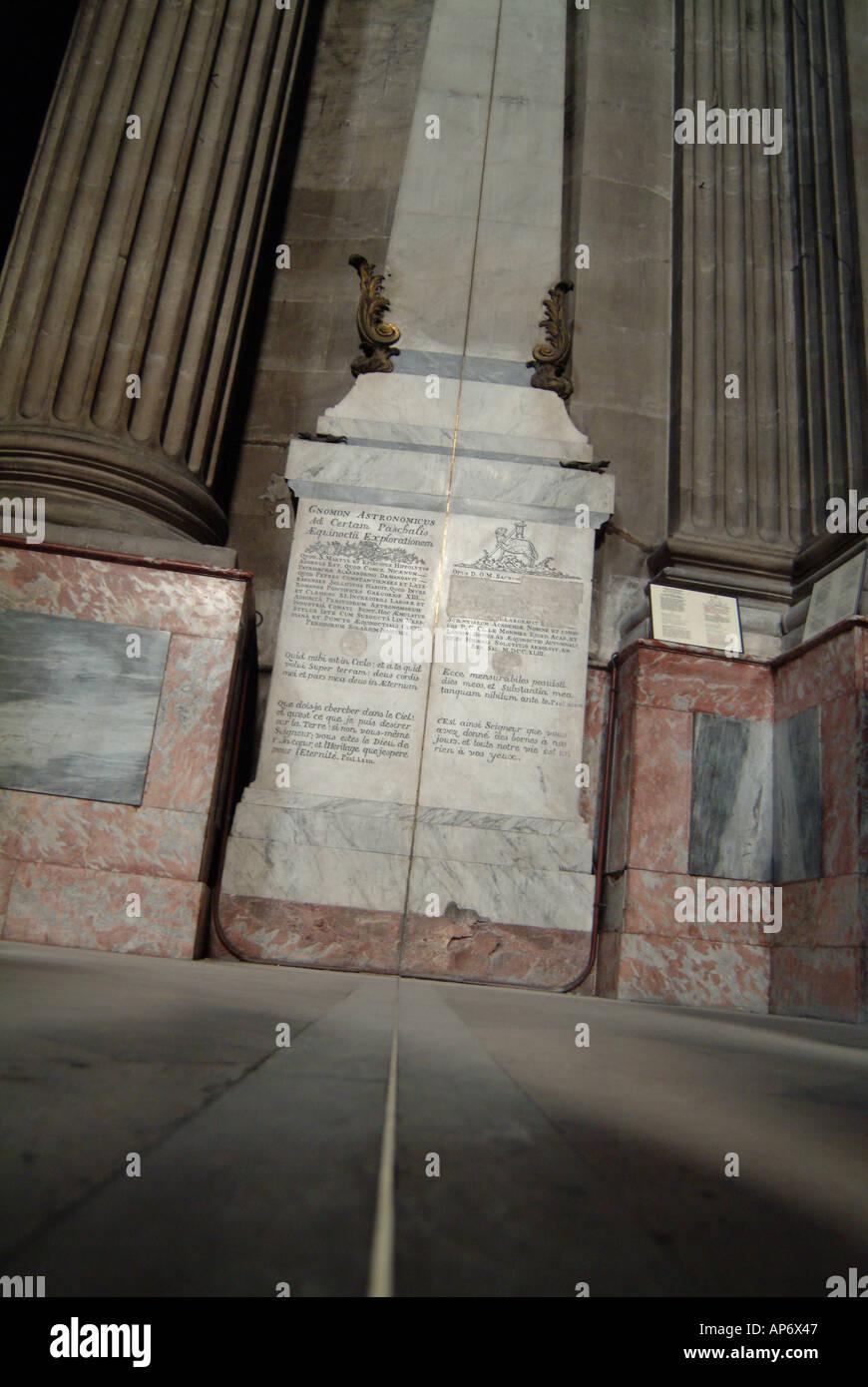 Interior De La Iglesia De Saint Sulpice En Paris Francia La Linea