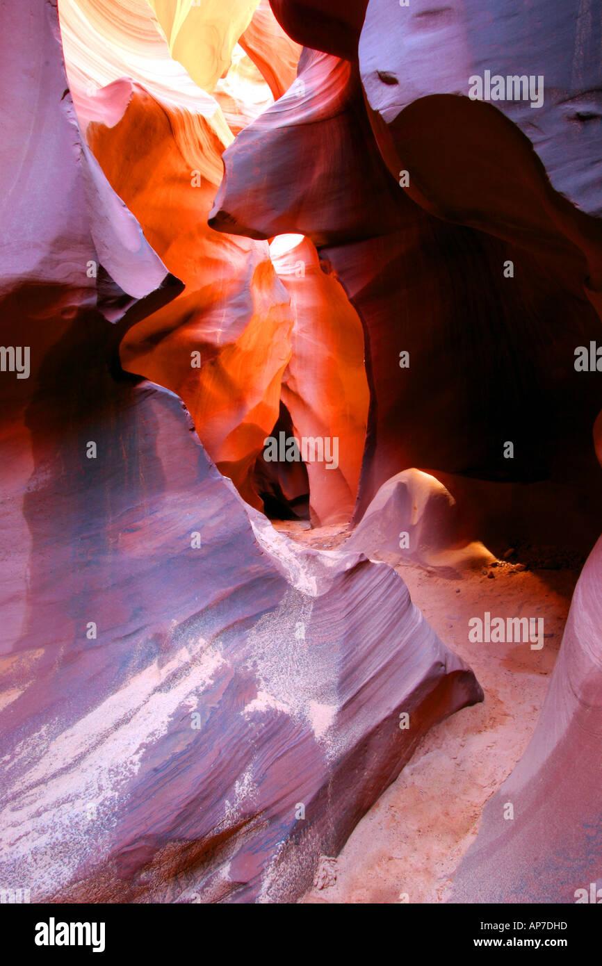 Bajar el Cañón Antelope, Page, Arizona Foto de stock