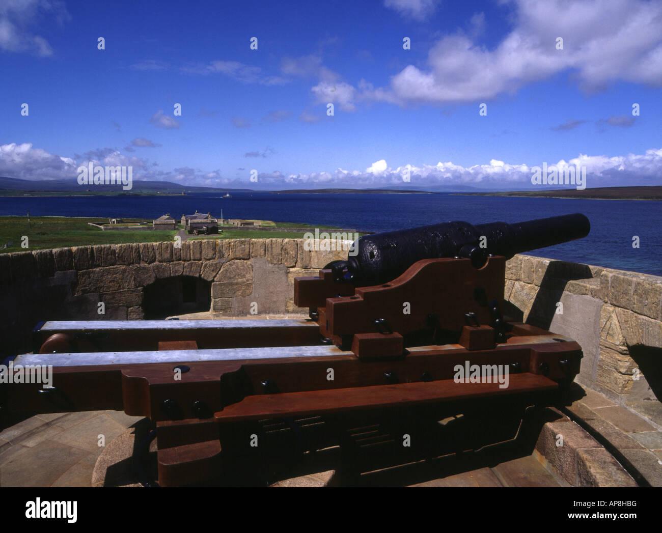 dh Martello Tower Hackness HOY ORKNEY pistola Canon en la parte superior de las guerras napoleónicas de defensa costera y la batería Foto de stock