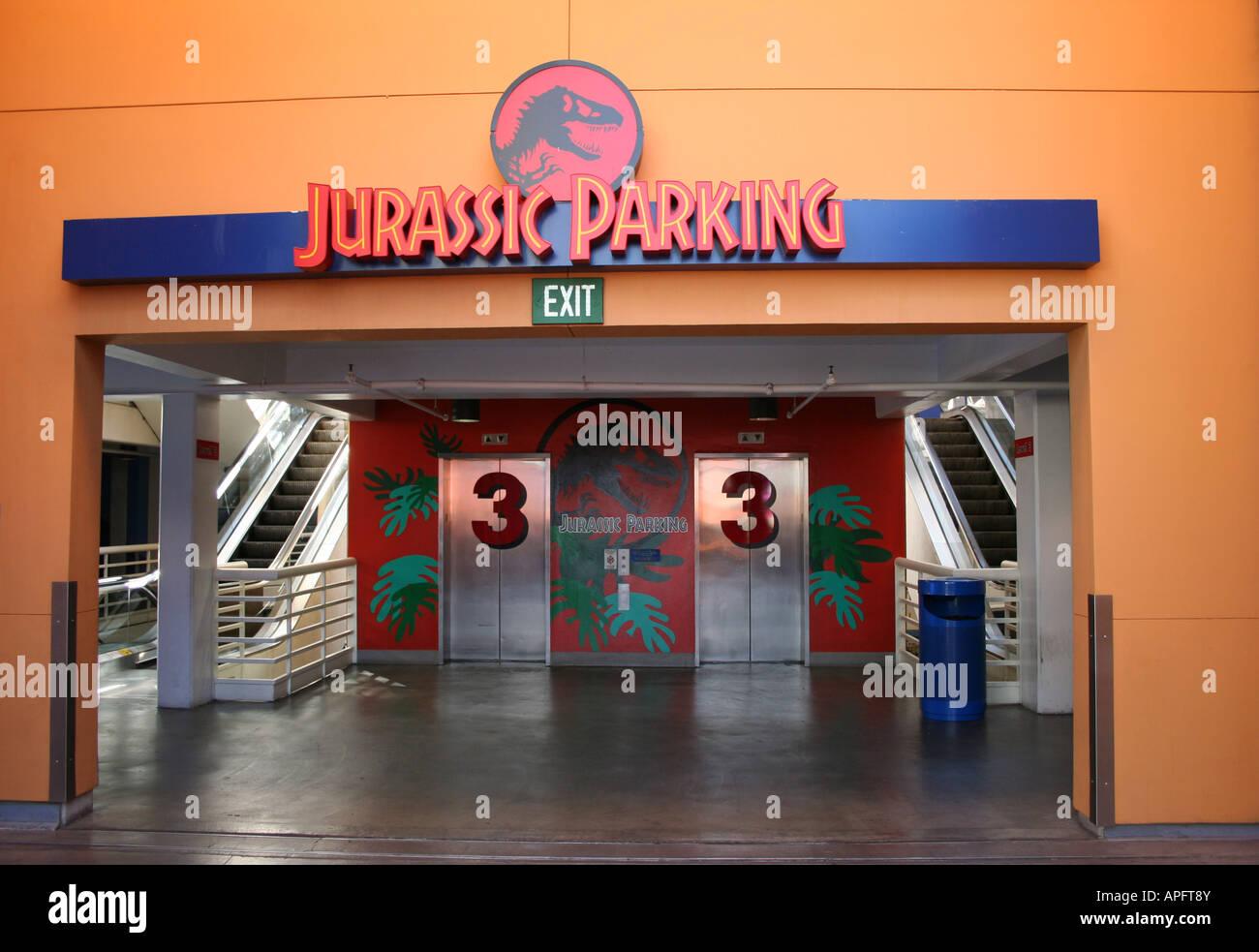 Jurassic Aparcamiento en Universal Citywalk Hollywood California, octubre de 2007 Imagen De Stock