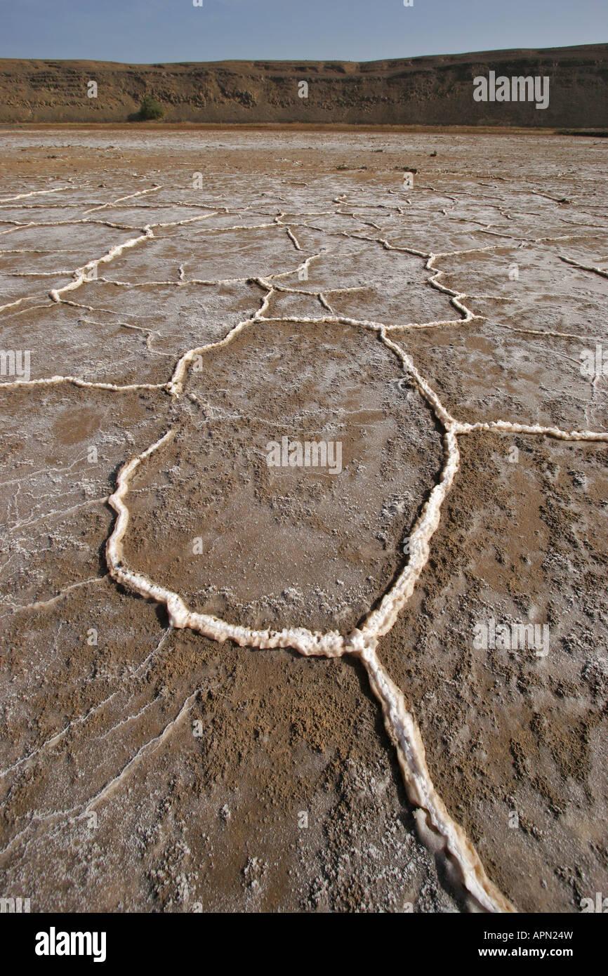 Las represas cristalina y vetas en las salinas de Pedra da Lume en Cabo Verde Isla de Sal Foto de stock