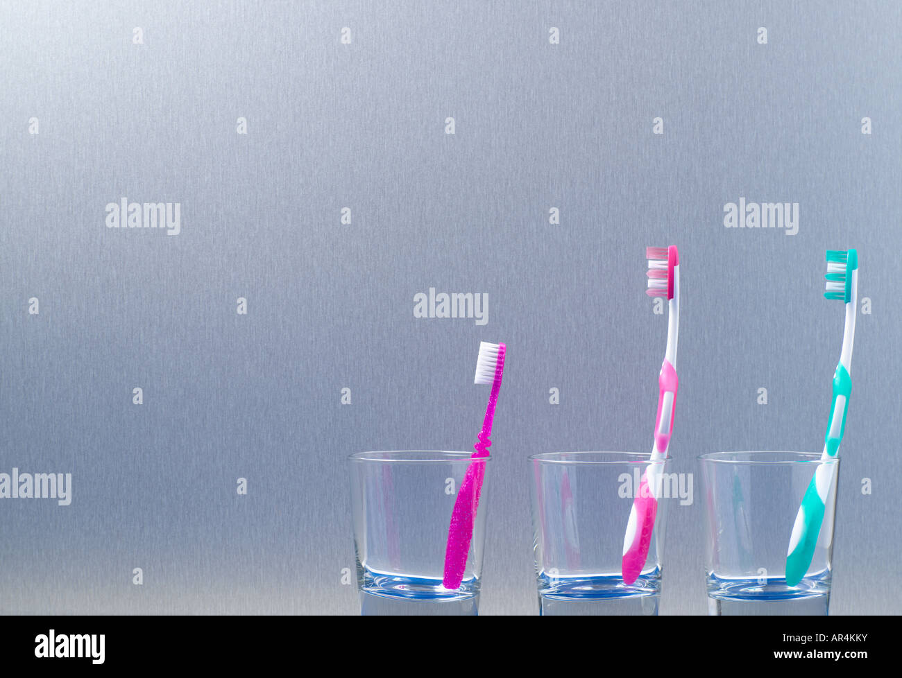 Cepillos de dientes de la familia Foto de stock