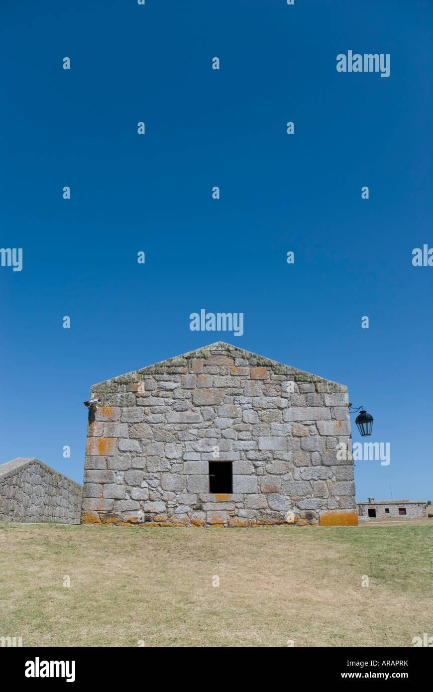 Captura recortada de la iglesia dentro de 'Fortaleza' de Santa Teresa, Rocha, Uruguay. Imagen De Stock