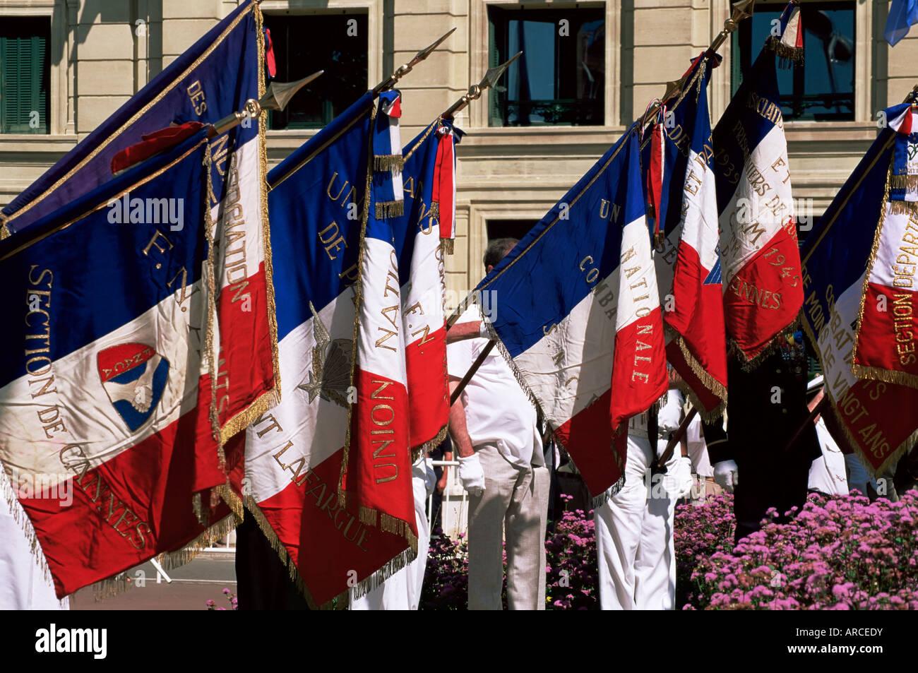 Veteranos recordamos camaradas caídos, Día de la Bastilla, el 14 de julio, el Festival de Cannes, Alpes Imagen De Stock