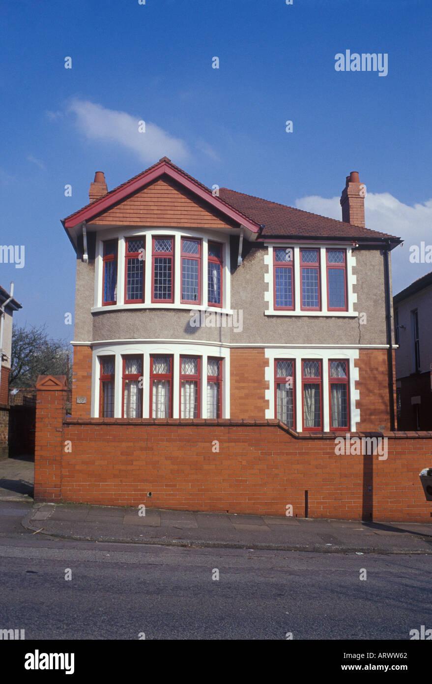 Cardiff Glamorgan, Gales del Sur. Detached suburbana ordinaria casa construida entre las guerras Foto de stock