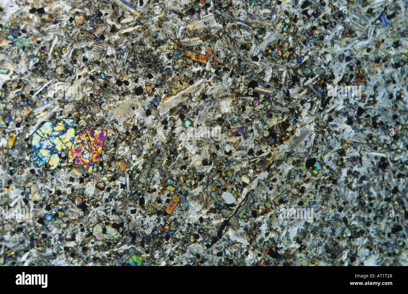 Rocas metamórficas de cuarcita Tarragona España microscopio Petrográfico Foto de stock
