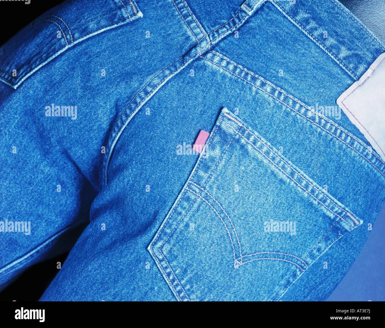37045c6360 Pair Of Jeans Imágenes De Stock   Pair Of Jeans Fotos De Stock - Alamy