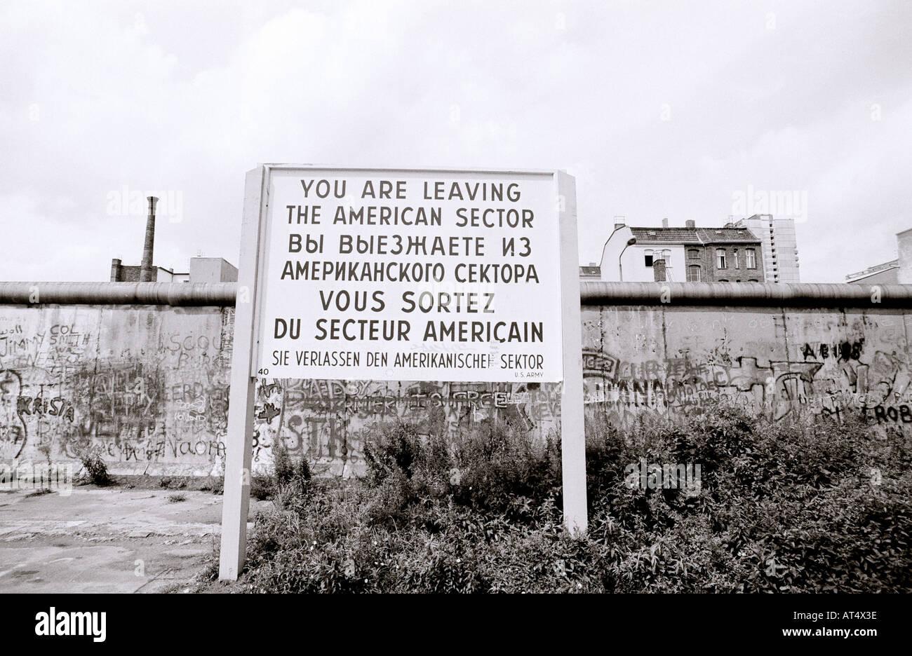 La historia de Europa. El sector estadounidense en el histórico Muro de Berlín en el oeste de Berlín, en Alemania, en Europa durante la Guerra Fría. Imagen De Stock
