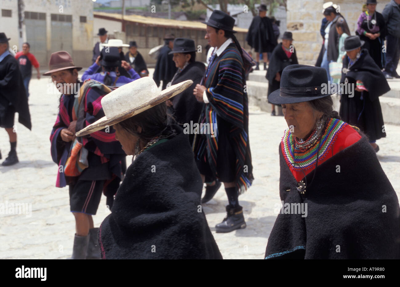 Saraguro People Imágenes De Stock & Saraguro People Fotos De