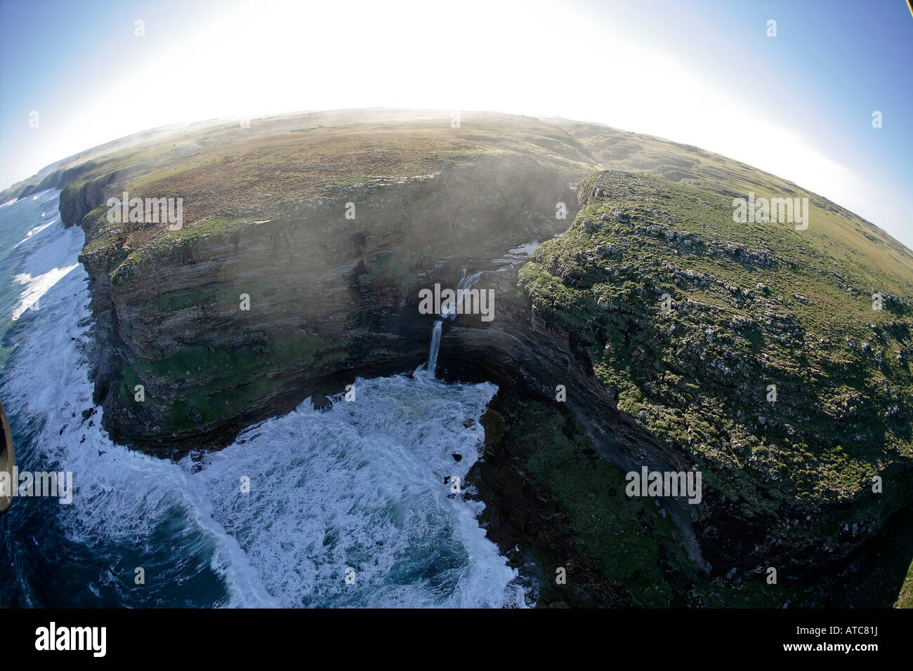 Vista aérea de la arenisca del litoral de la costa salvaje de Transkei Sureste de África Océano Índico Imagen De Stock