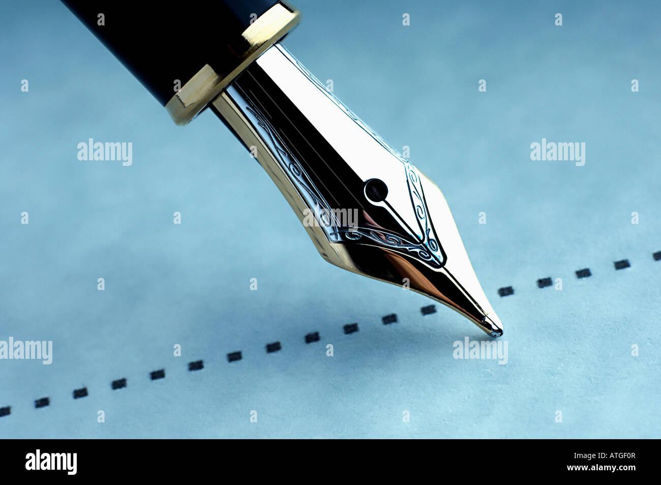 Firmar la línea punteada Imagen De Stock