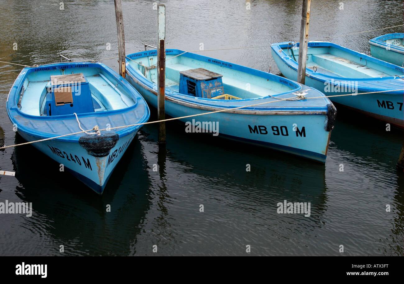 Barcas alineadas. Foto de stock