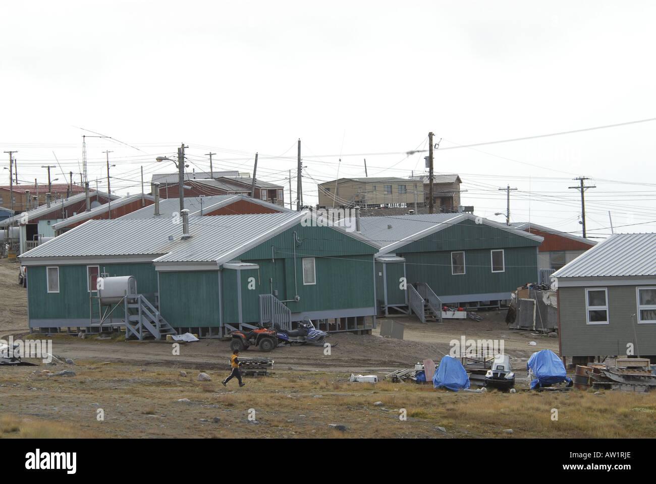 Entrada del estanque de la isla de Baffin Alto Ártico Canadá turísticos remotos aislados Senderismo Senderismo la niebla rock rockly lengua indígena loc Imagen De Stock