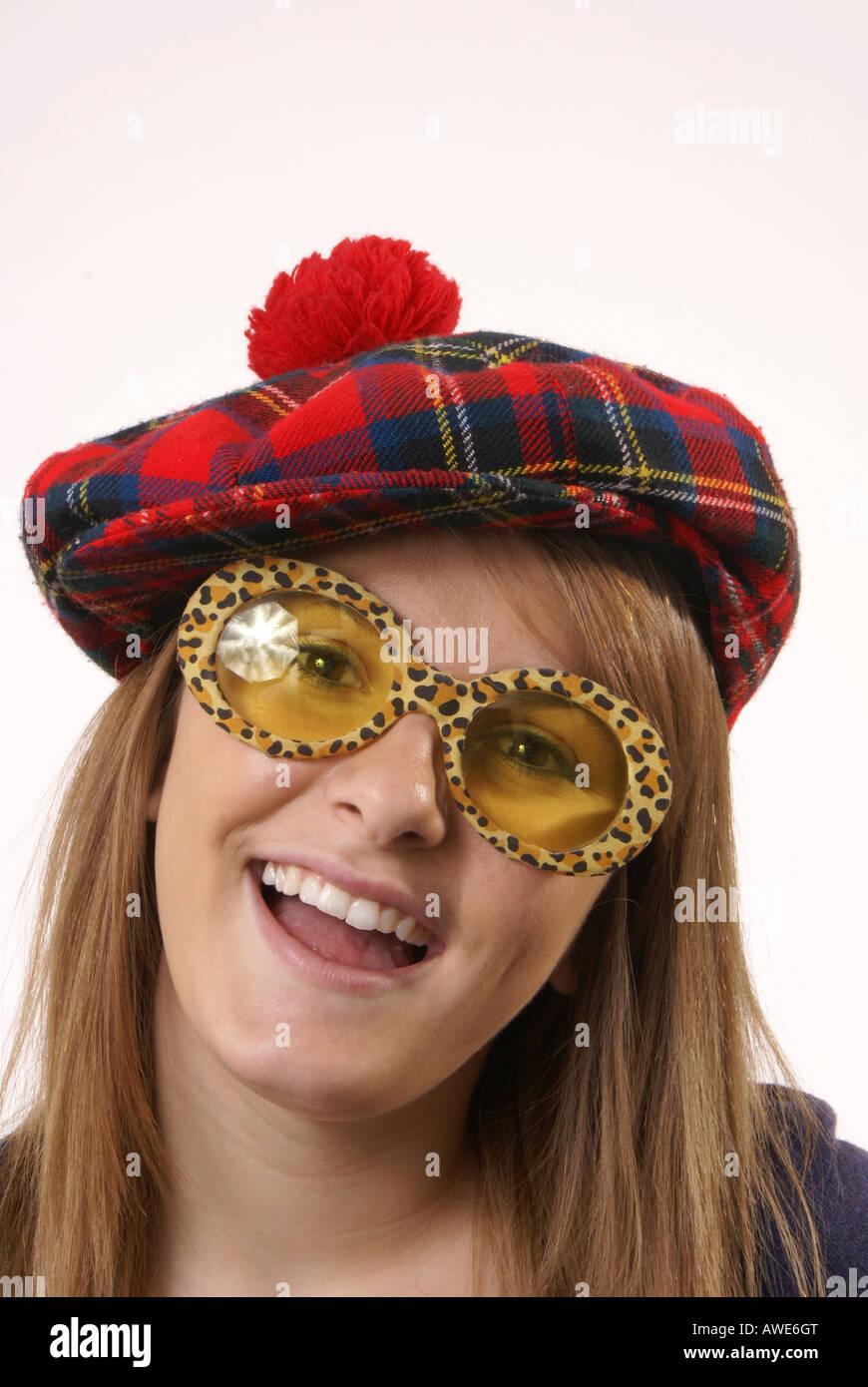 Scottish Hat Imágenes De Stock   Scottish Hat Fotos De Stock - Alamy 8d85ece34f0