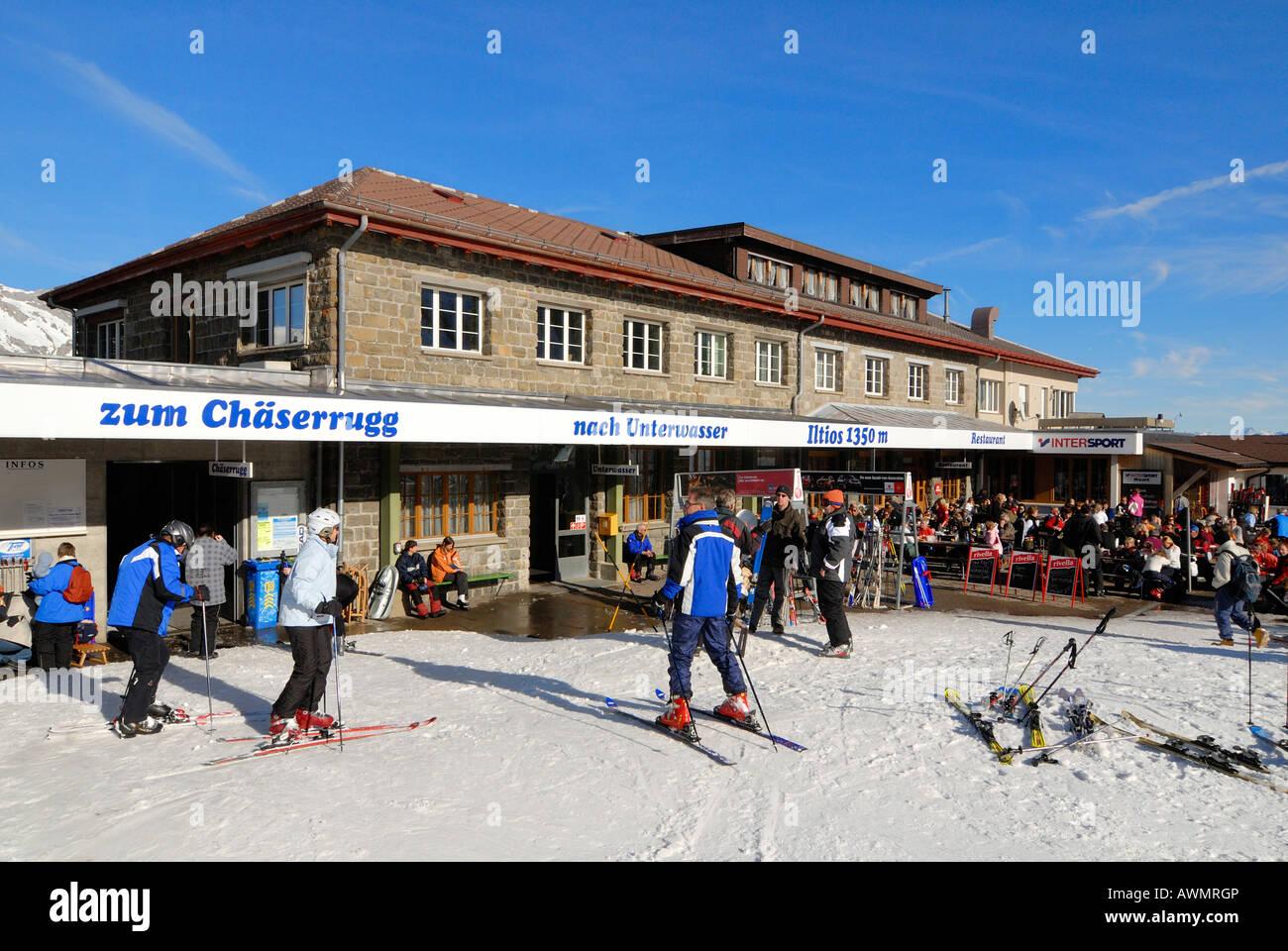 Restaurante en la montaña - Unterwasser Iltios, Cantón de San Gallen, Suiza, Europa. Foto de stock