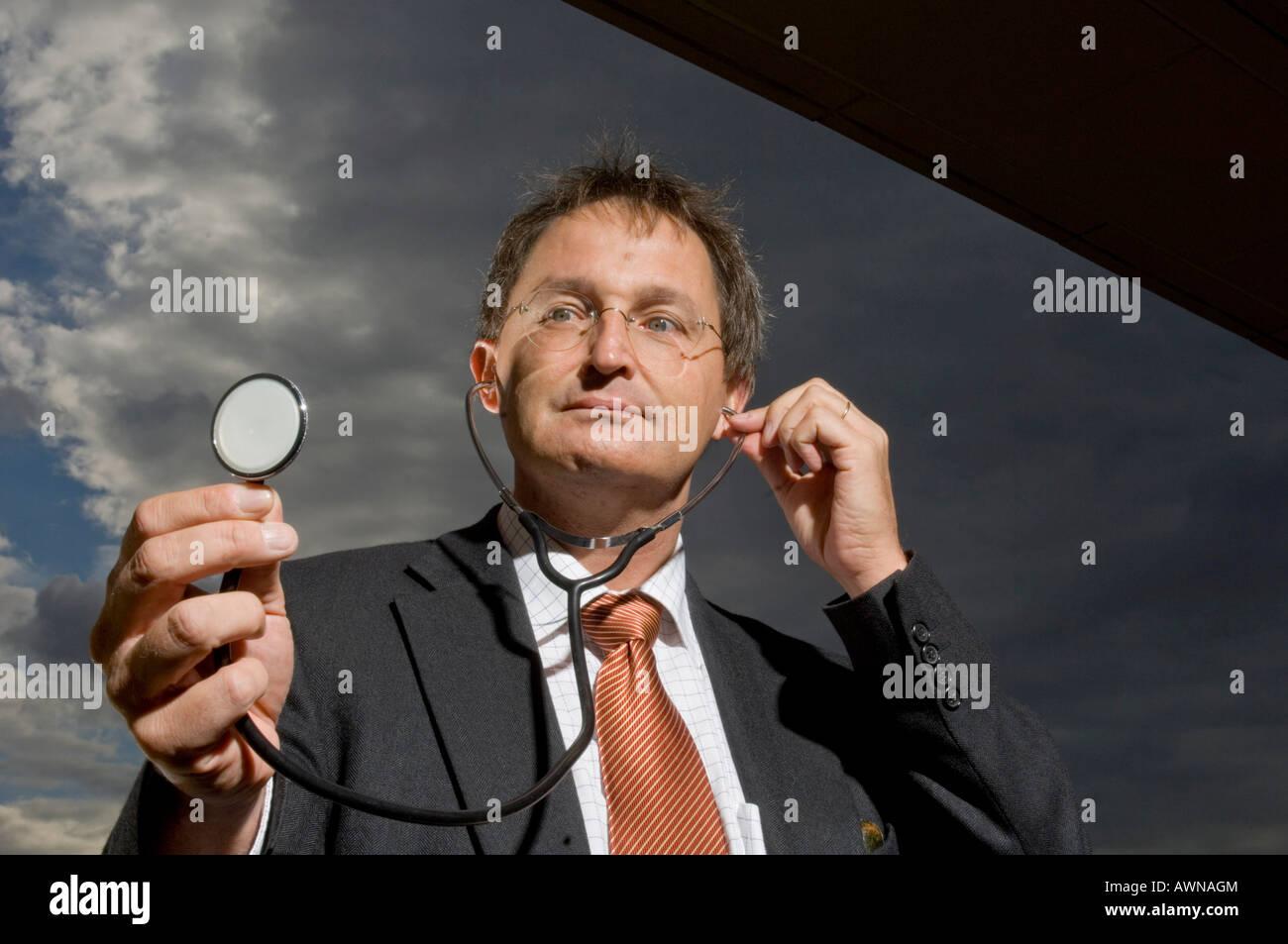 Guenther Jonitz, Presidente de la Cámara de Medicina de Berlín, Alemania Foto de stock