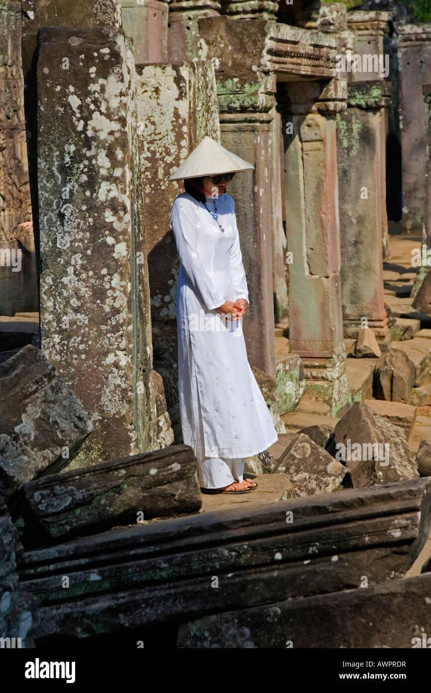 Las mujeres vietnamitas en Angkor Wat, Camboya, Asia Imagen De Stock