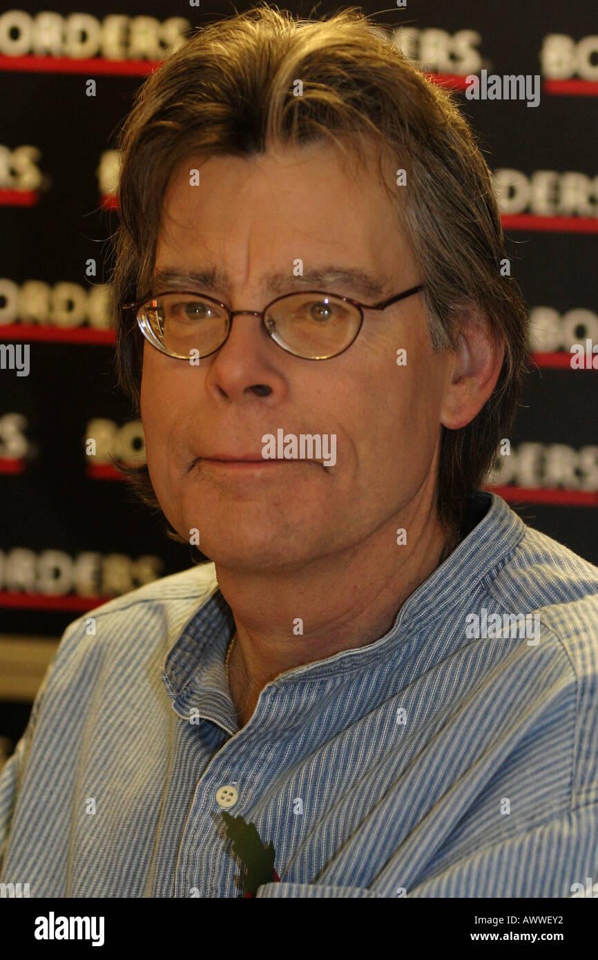 STEPHEN KING escritor thriller americano en noviembre de 2006 Imagen De Stock