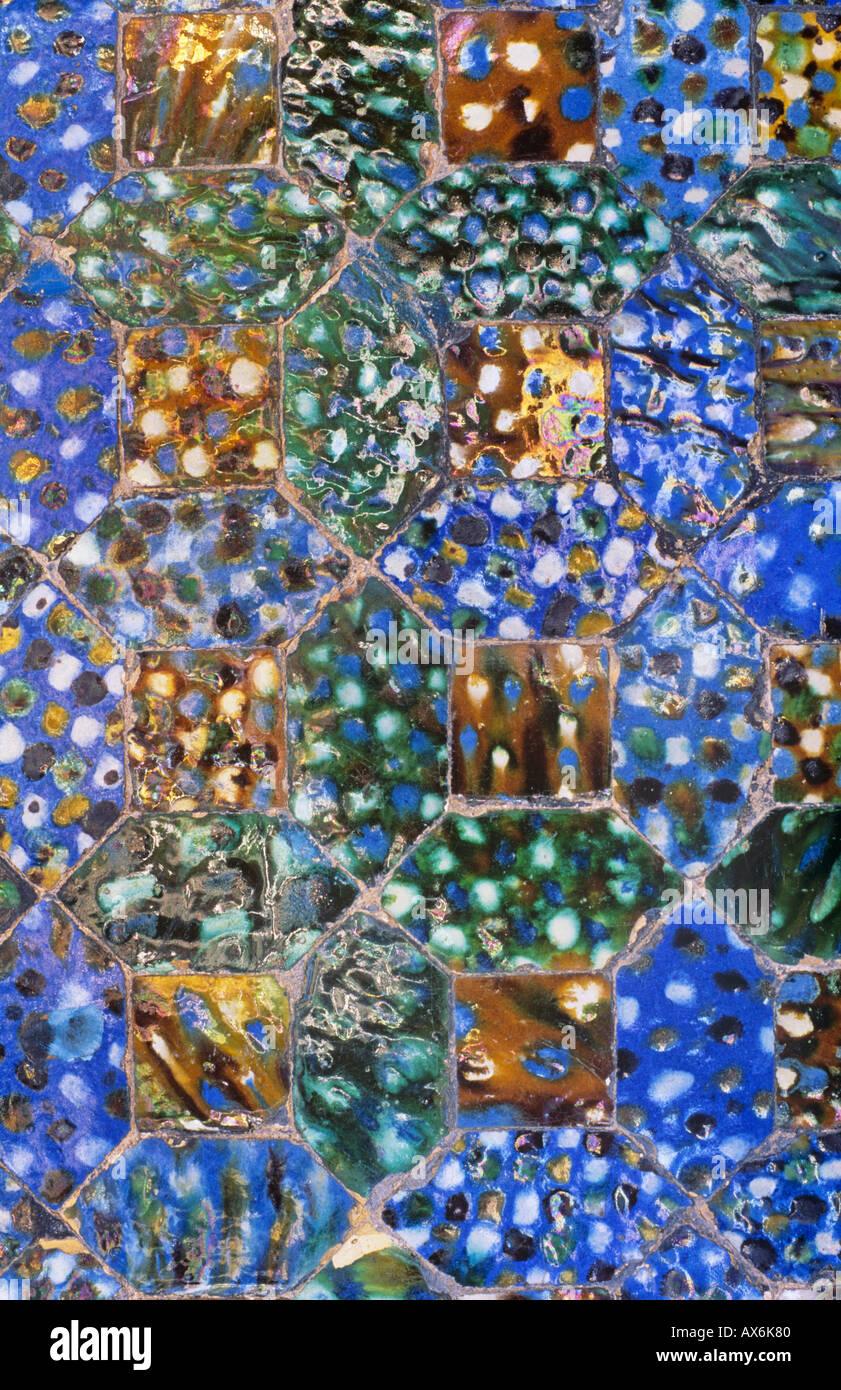 Estilo de mosaico cerámico placa decorativa, hecho a mano, diseño exclusivo. Recuerdo de España. Imagen De Stock