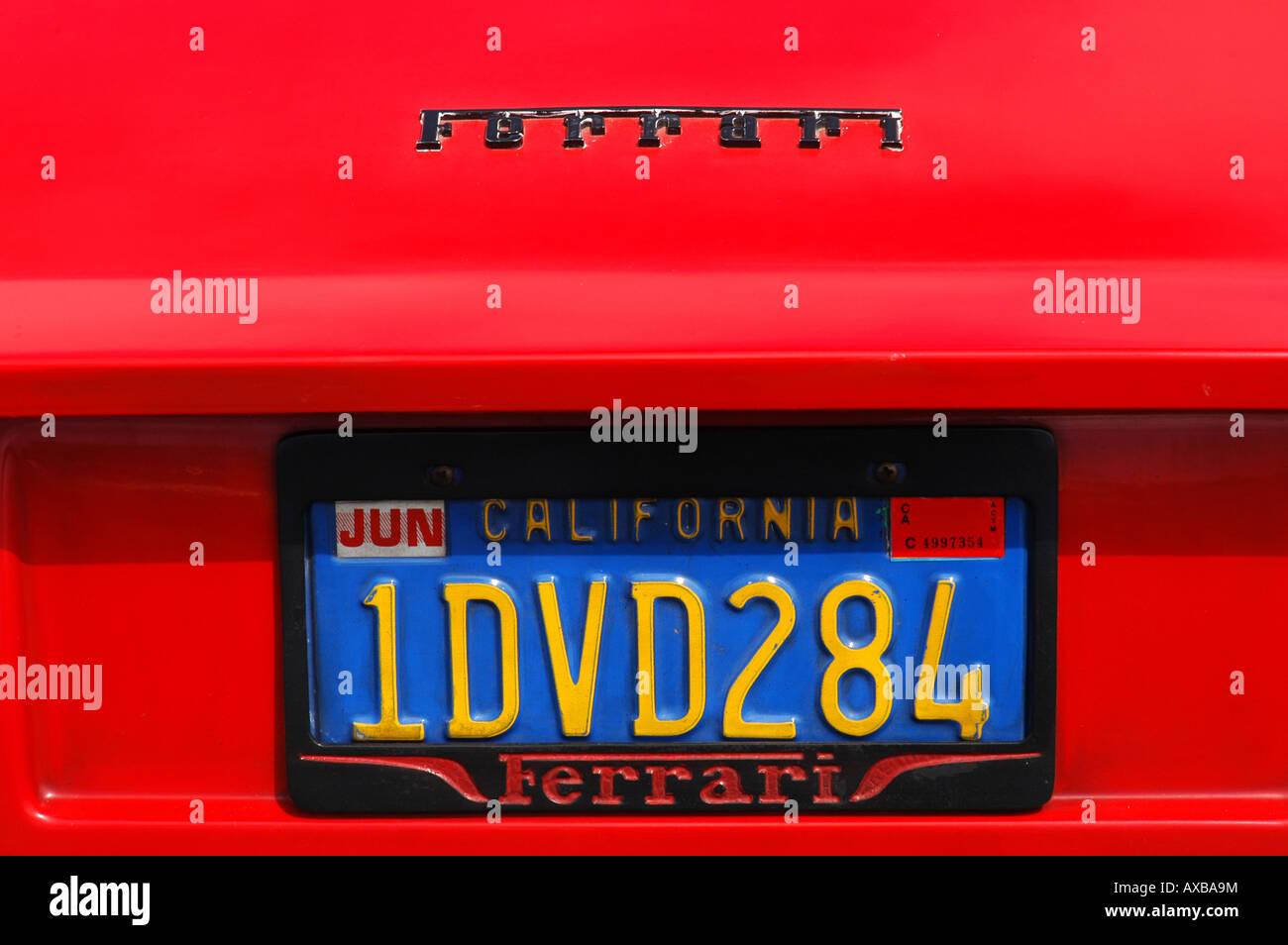 Rojo Ferrari California la placa de número de EE.UU. Foto de stock