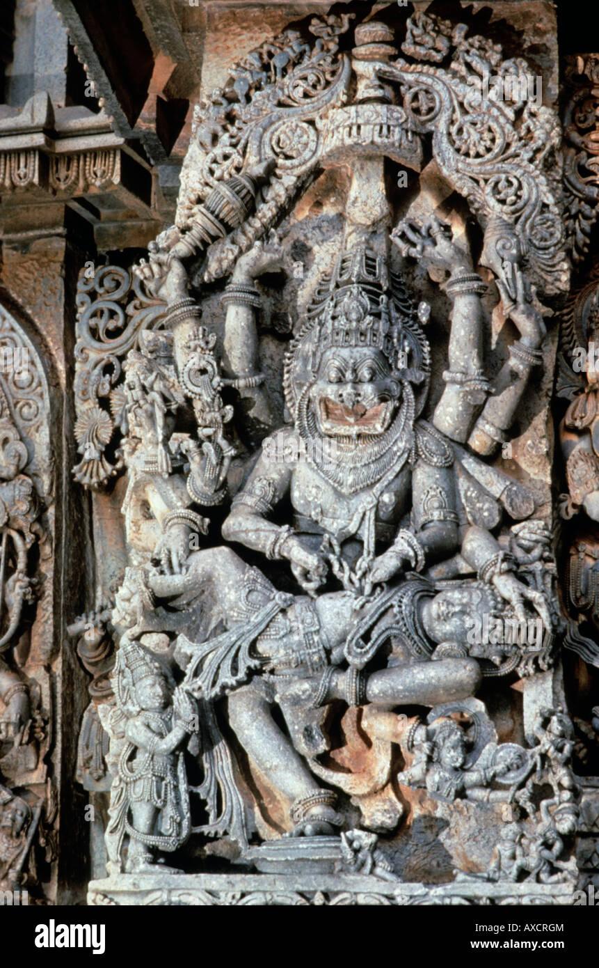 Halebid (India) templo de Hoysalesvara Narasimha. Foto de stock
