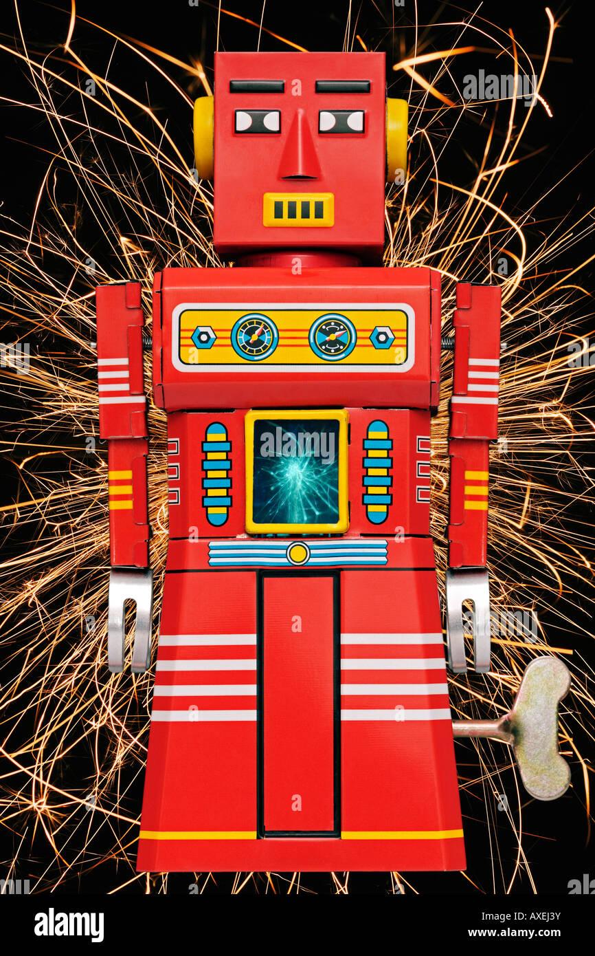 Desencadenando Tin Robot Retro Clockwork Toy desde el decenio de 1960. Imagen De Stock